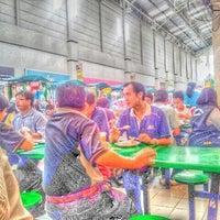 Photo taken at Giant Hypermarket by Mohd Syukri A. on 9/8/2011
