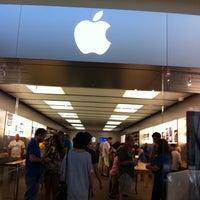 Photo taken at Apple Store, Houston Galleria by Nikita B. on 10/2/2011