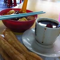 Photo taken at Pasar Chowkit by Teo C. on 7/28/2012