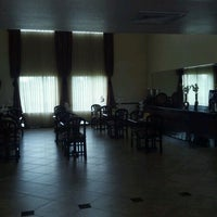 Photo taken at La Quinta Inn & Suites Ft. Pierce by Cary S. on 3/13/2012