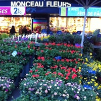 Photo taken at Monceau Fleurs Malesherbes by Bandit D. on 4/3/2012