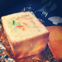 Photo taken at 欣叶餐厅 Shin Yeh Restaurant by Lu J. on 3/8/2012