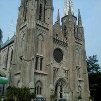 Photo taken at Gereja Katolik Katedral Jakarta by Marriill T. on 8/24/2012
