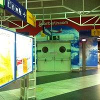 Photo taken at S Flughafen München by Essa A. on 8/21/2012