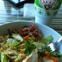 Photo taken at Super Salads by Mikke V. on 8/11/2012