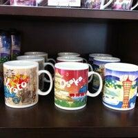 Photo taken at Starbucks Coffee 関西国際空港エアサイド店 by KJ on 2/15/2011