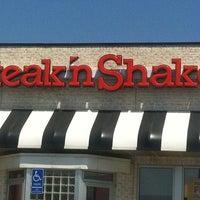 Photo taken at Steak 'n Shake by Erin K. on 7/23/2011