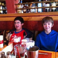 Photo taken at Red Robin Gourmet Burgers by Rich R. on 2/11/2012