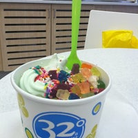 Photo taken at 32 Degrees A Yogurt Bar by Katie B. on 9/24/2011