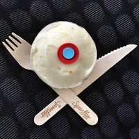Photo taken at Sprinkles Cupcakes by Nikki on 6/19/2012