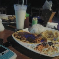 Photo taken at Warung Hillman by Fitria R. on 4/24/2012