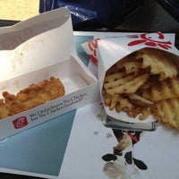 Photo taken at Chick-fil-A Exton Square by Yu B. on 7/6/2012