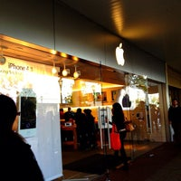 Photo taken at Apple Store, Old Orchard by Steven X. on 10/17/2011