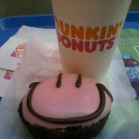 Photo taken at Dunkin' Donuts by Mauricio L. on 2/7/2012