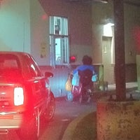 Photo taken at Taco Bell by Venton J. on 7/6/2011