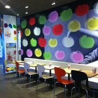 Photo taken at McDonald's by Kike R. on 5/7/2011