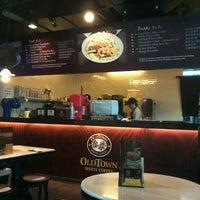 Photo taken at OldTown White Coffee by Yumi S. on 6/3/2012