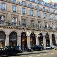 Photo taken at The Westin Paris – Vendôme by Dan D. on 12/2/2011