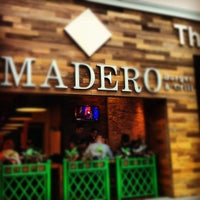 Photo taken at Madero Burger & Grill by Débora S. on 4/27/2012