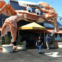 Photo taken at Giant Crab Seafood Restaurant by Nancy P. on 4/16/2012