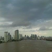 Photo taken at Rama III Bridge by ♥pattarravee♥ on 10/3/2011