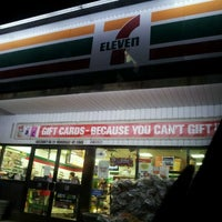 Photo taken at 7-Eleven by Fischbachs on 12/10/2011