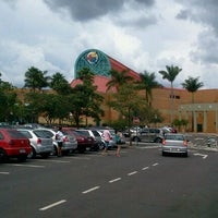Photo taken at Shopping Iguatemi by Le T. on 2/19/2012