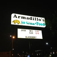 Photo taken at Armadillos Ice Cream Shoppe by Daniel P. on 9/1/2012