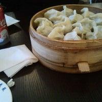 Photo taken at Qing Hua Dumpling by Jose L. on 4/5/2012