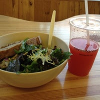 Photo taken at sweetgreen by Arturo on 9/13/2012