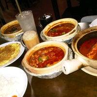 Photo taken at Asam Pedas Claypot, Jalan Salleh, Muar by Irwan A. on 8/16/2012