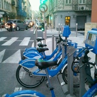 Photo taken at Vélo Bleu (Station No. 28) by Iarla B. on 2/23/2012