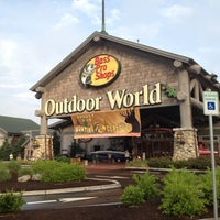 Photo taken at Bass Pro Shops by The Original P. on 7/18/2012