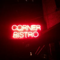 Foto tirada no(a) Corner Bistro por Morgane D. em 12/31/2011
