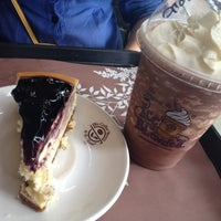 Photo taken at The Coffee Bean & Tea Leaf by Ggi C. on 8/21/2012