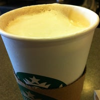 Photo taken at Starbucks by ECrab 🌐🌎🌐 on 5/21/2012