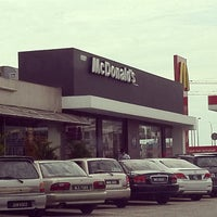 Photo taken at McDonald's by Mirwan A. on 11/6/2011