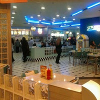 Photo taken at Yesterday American Diner by Taxi de Madrid 6. on 12/31/2011