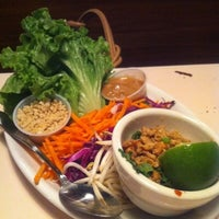 Photo taken at Lulu's Thai Noodle Shop by Tim J. on 5/3/2011