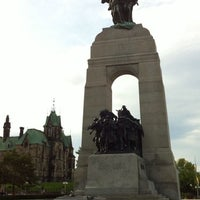Photo taken at Cenotaph and Tomb of the Unknown Soldier by Melly on 9/5/2011