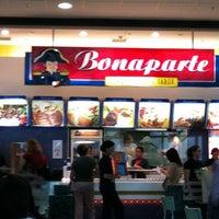 Photo taken at Bonaparte by Gustavo Infante F. on 8/20/2011