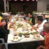 Photo taken at Medan Ikan Bakar Sungai Merab by الرز ل. on 6/19/2012