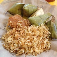 Photo taken at Chicken Tagala by Lorenz Marlo G. on 6/7/2012