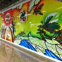 Photo taken at Chinatown MRT Interchange (NE4/DT19) by Gabriel Y. on 6/11/2012