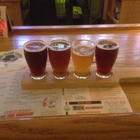 Photo taken at Winking Lizard Tavern by Scott B. on 10/20/2011