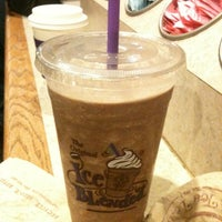 Photo taken at The Coffee Bean & Tea Leaf® by Lindsay-Lu W. on 4/23/2012