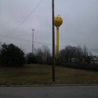 Photo taken at Smiley Face Water Tower by Marimar on 1/26/2012