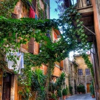 Photo taken at Rione XIII - Trastevere by VacazionaViajes on 8/31/2012