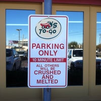 Photo taken at Chili's Grill & Bar by DavieG G. on 11/27/2011