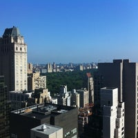 Photo taken at 500 Park Avenue by Barbro S. on 8/10/2011
